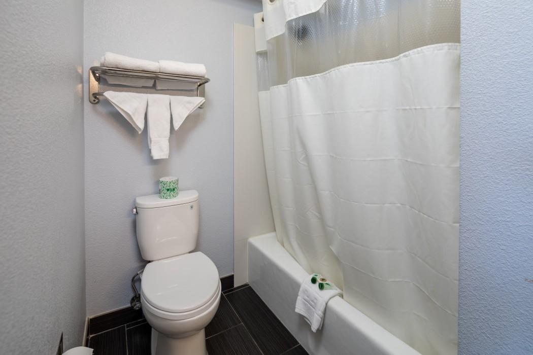 King Size Bed Room - Bathroom